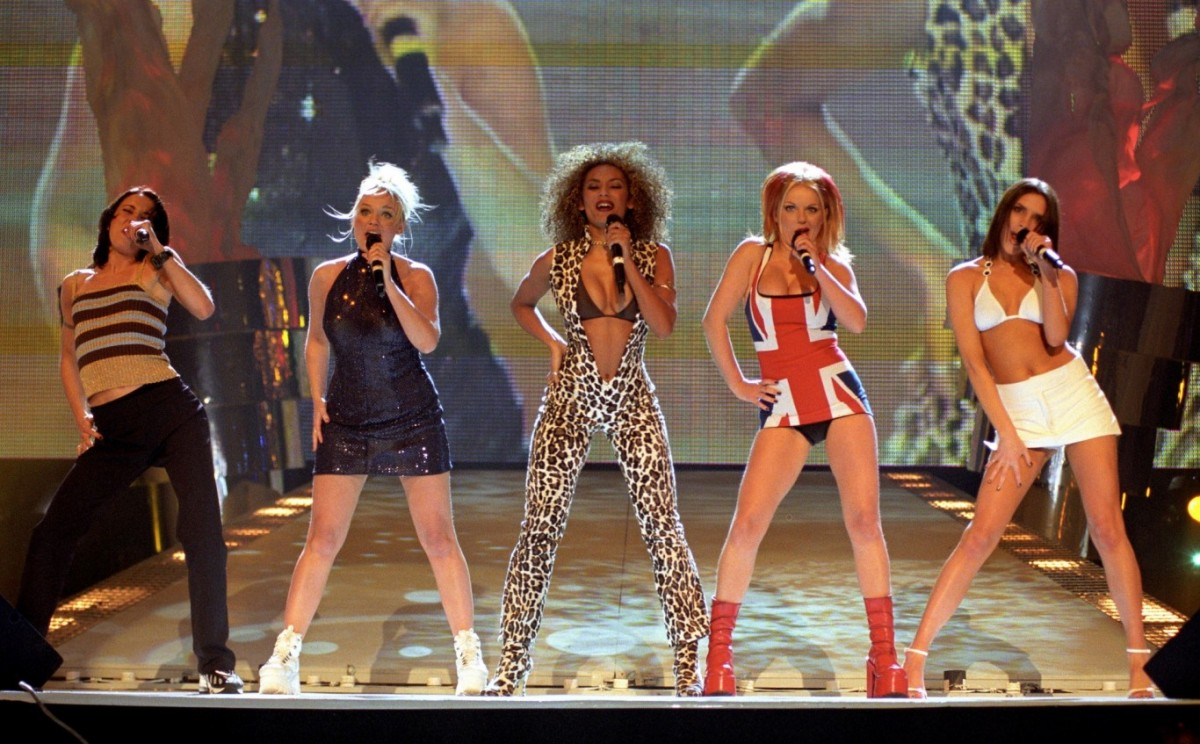 Queen performing at the BRIT Awards with Paul Rodgers