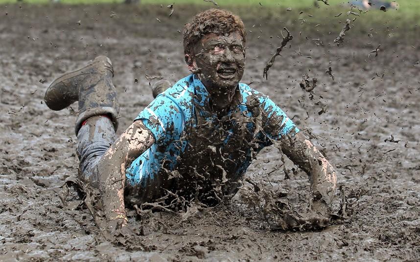 glastonbury_mud_matt_cardy