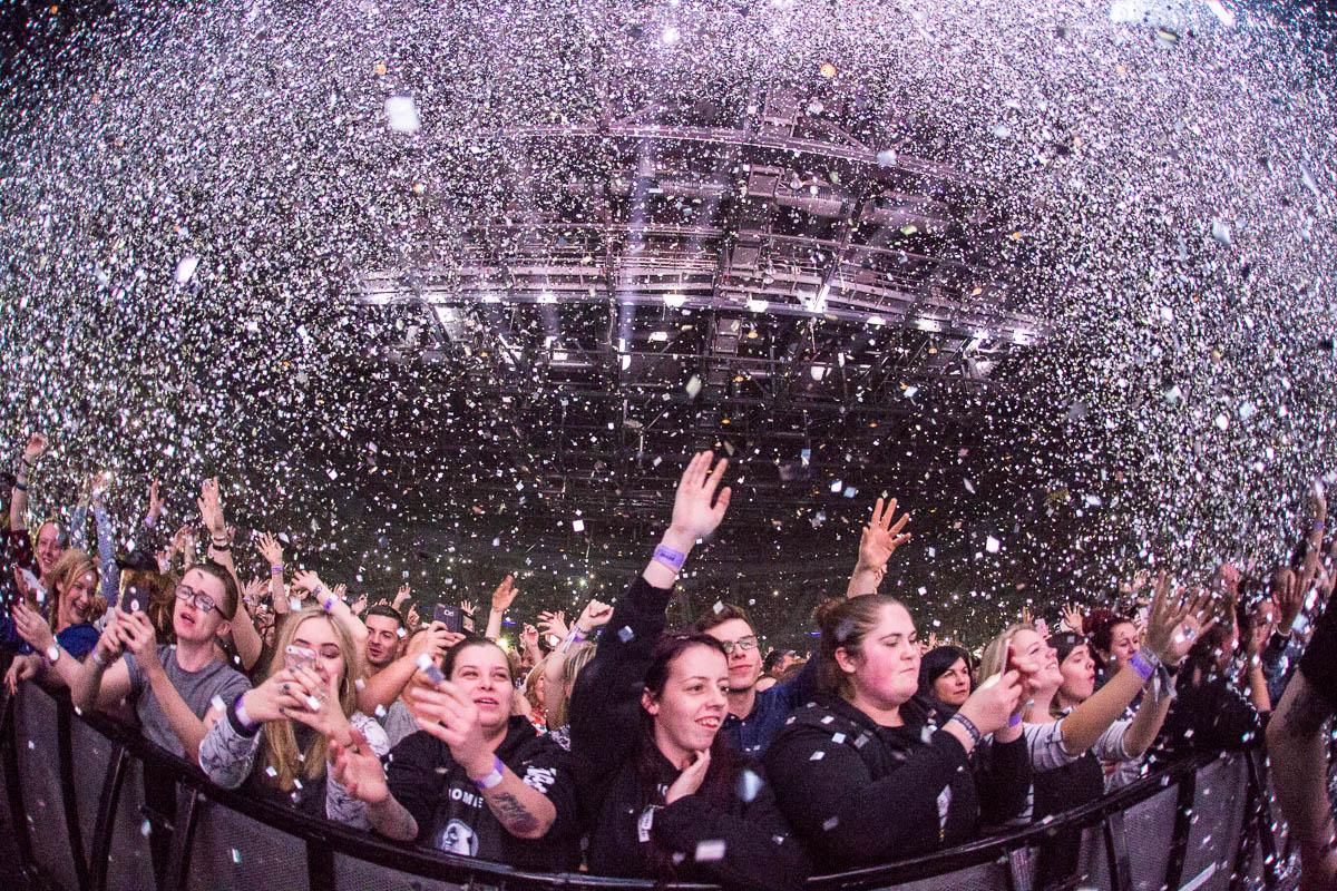 Echo Arena Crowd