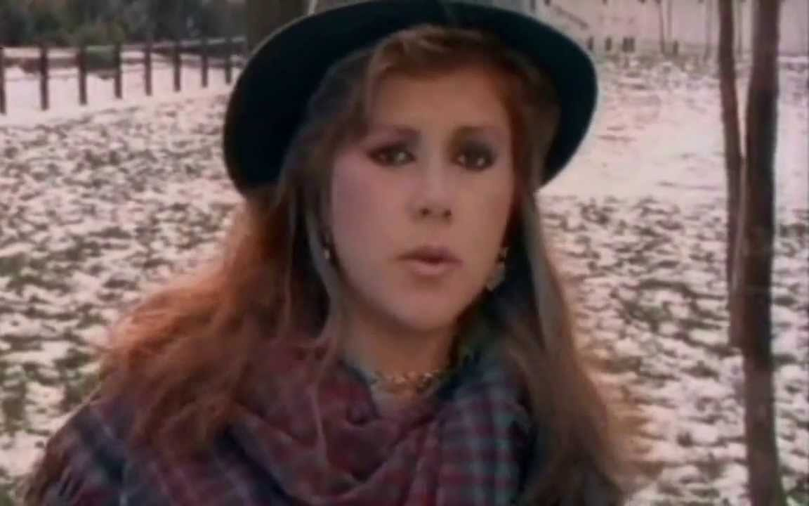 Kirsty MacColl in the video for A New England