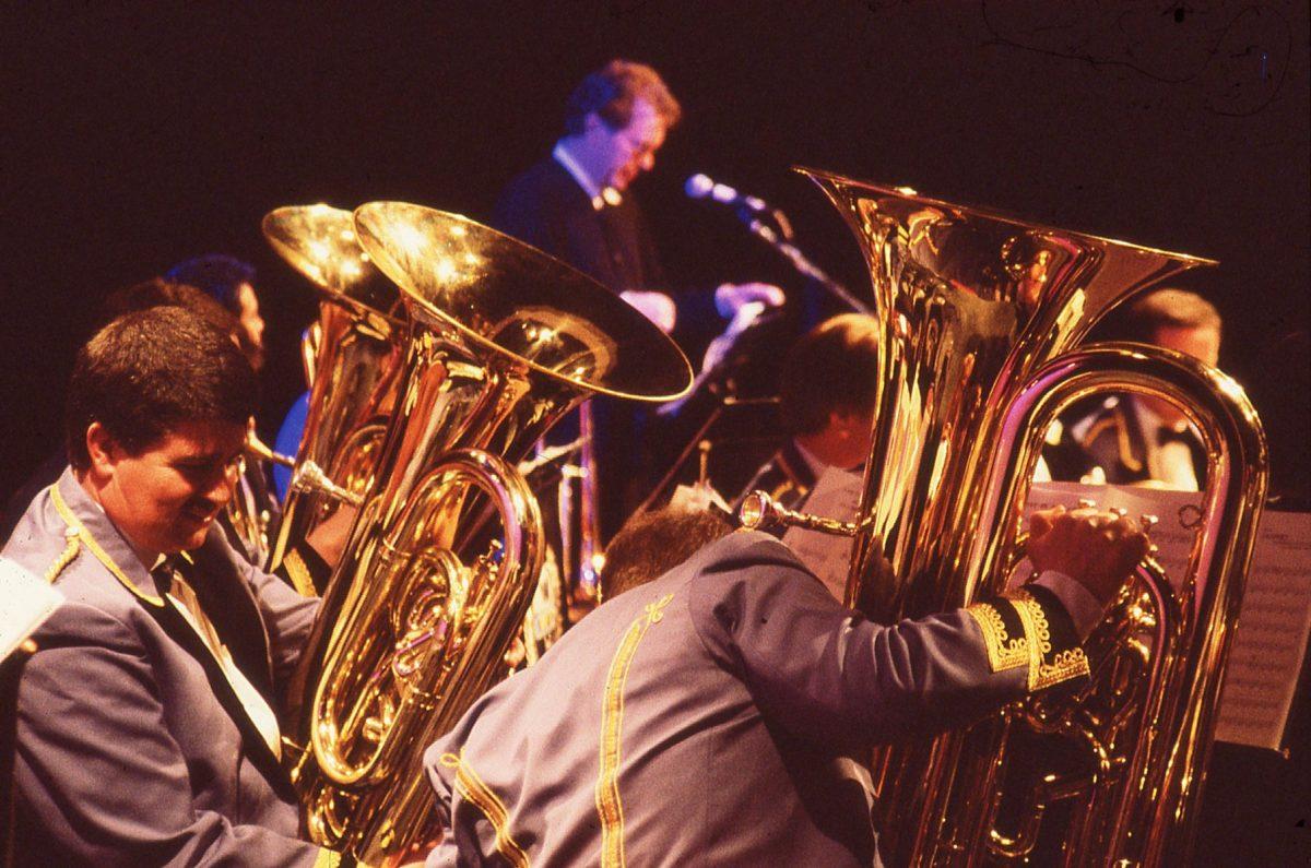 Jeremy Deller, Acid Brass
