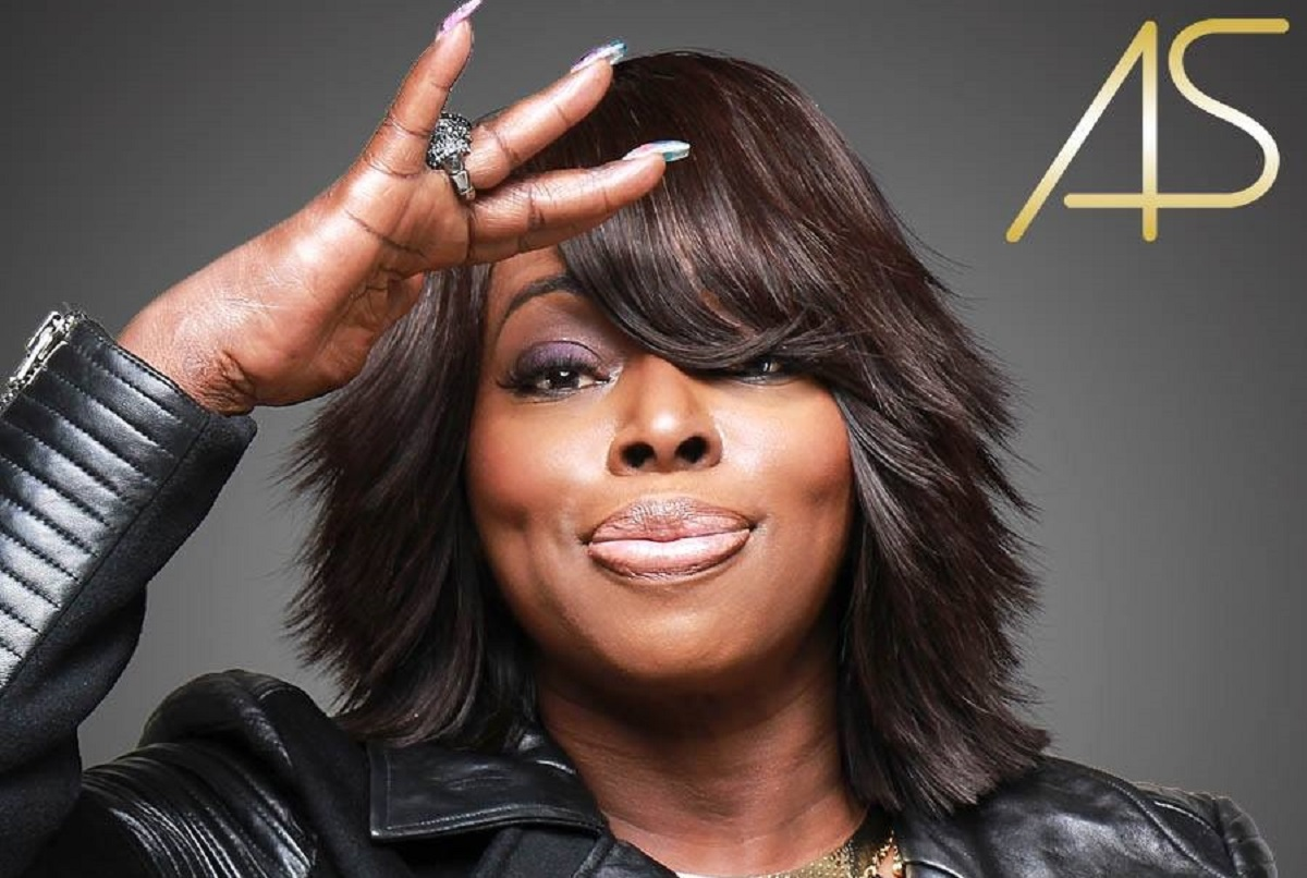 Angie Stone (Photo credit: artist's Facebook page)