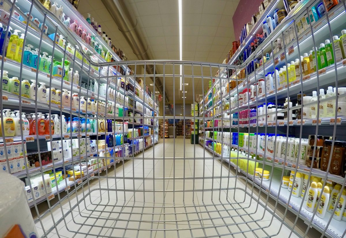 Supermarket DJ's, geniuses or machines?