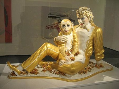 michael-jackson-and-bubbles-statue.jpg