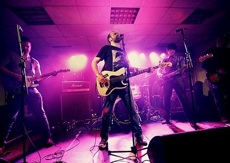 Crash of Rhinos live at Sound City 2012.jpg