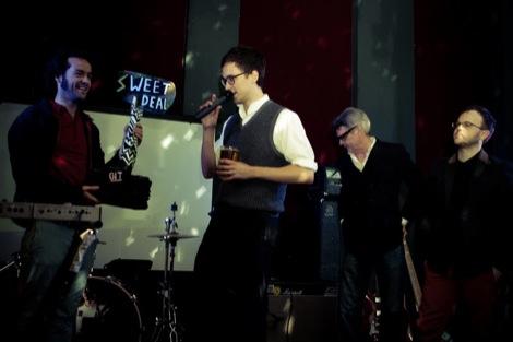 Loved Ones with Paul du Noyer and Peter Guy Paul du Noyer opens to envelope at the GIT AWARD 2012.jpg