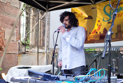 Oliver Tank live at Liverpol Sound City 2012.jpg