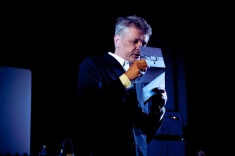 Paul du Noyer announces the winner of the GIT AWARD 2012.jpg