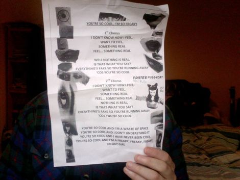 Kate_Nash_lyric_sheet_live_at_the_Zanzibar