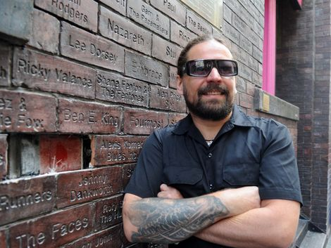 Andreas Kisser of Brazilian Metal band Sepultura gets his name on the Mathew street Wall of fame.jpg