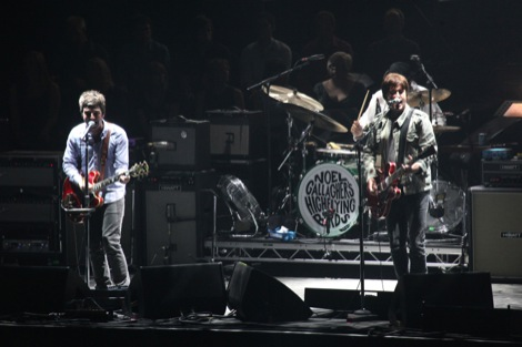Noel Gallagher's High Flying Birds live at Liverpool ECHO Arena.jpg