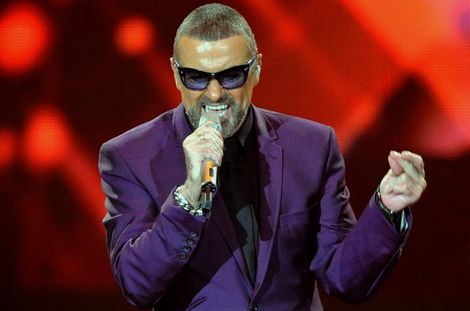 George Michael live at Liverpool Echo Arena Symphonica tour.jpg