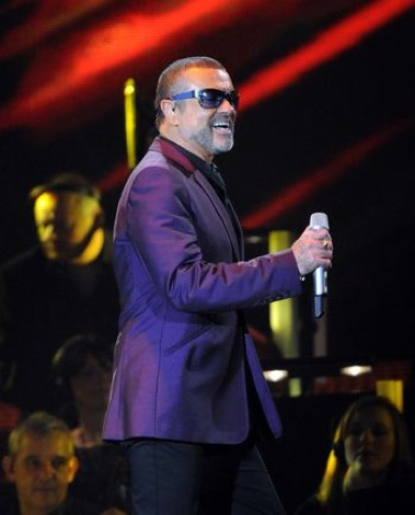 George Michael live at Liverpool Echo Arena Symphonica tour live.jpg