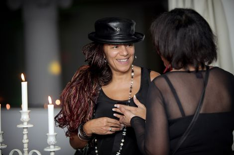 Ladies chat at the GIT Award launch 2013.jpg