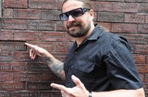 Andreas_Kisser_from_Brazilian_Metal_band_Sepultura_gets_his_name_on_the_Mathew_street_Wall_of_fame