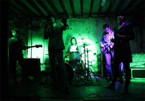 Chain-and-the-gang-live-review-liverpool-music-shipping-forecast-Ian-Svenonius.jpg