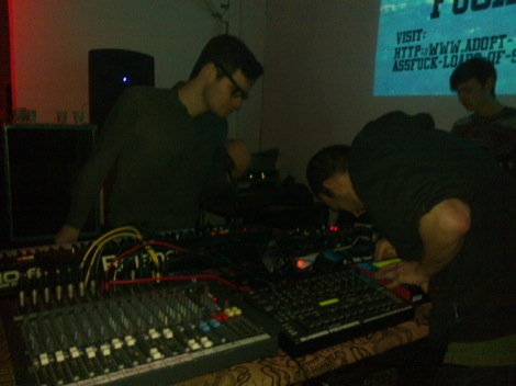 Lunar-Modular-live-at-ARK02-Deep-Hedonia-Drop-the-Dumbells-review.jpg