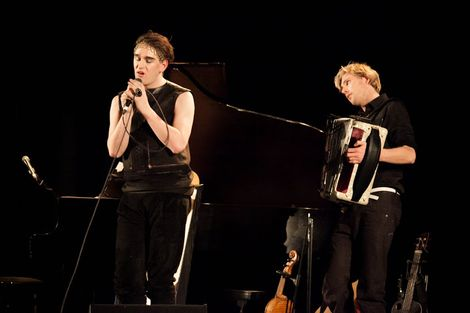 Patrick-Wolf-Epstein-Theatre-Everisland-Liverpool-review-accordian.jpg
