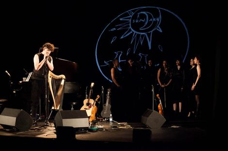 Patrick-Wolf-Epstein-Theatre-Everisland-Liverpool-review-back-drop.jpg