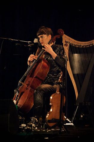 Patrick-Wolf-Epstein-Theatre-Everisland-Liverpool-review-double-bass.jpg