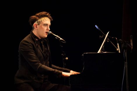 Patrick-Wolf-Epstein-Theatre-Everisland-Liverpool-review-piano.jpg