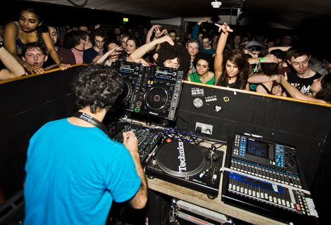 four-tet-liverpool-shipping-forecast-live-review.jpg