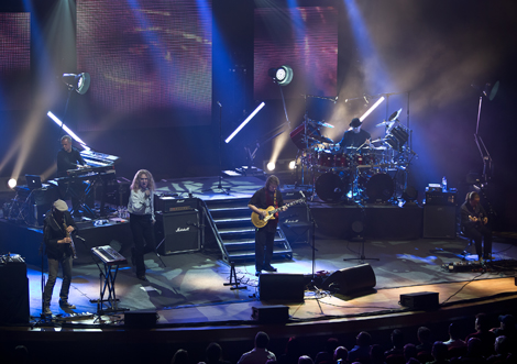 steve-hackett-genesis-revisited-liverpool-philharmonic-hall-review-phil.jpg