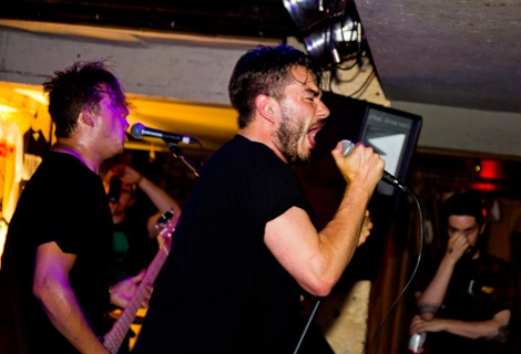 Max-Raptor-Dinosaur-Pile-Up-Liverpool-Shipping-Forecast-review.jpg