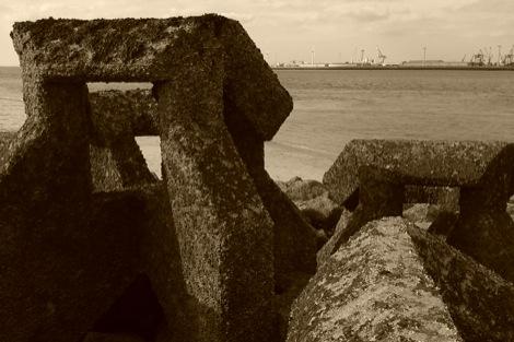 astral-coast-veyu-liverpool-band-running-live-rocks.jpg