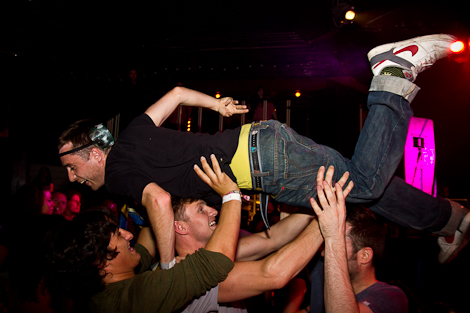 crowd-surfing-fire-beneath-the-sea-festevol-kazimier.jpg
