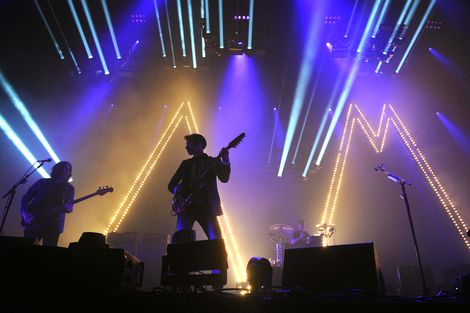 arctic-monkeys-liverpool-echo-arena-walk-on-the-wildside-lou-reed-review-2