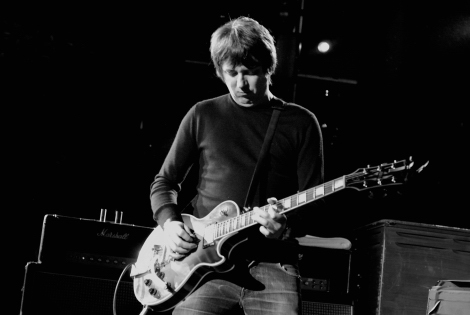 Charlatans-liverpool-st-georges-hall-review-guitar.jpg