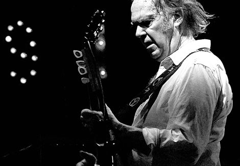 Neil-Young-liverpool-echo-arena-tickets-tour-psychedelic-pill.jpg