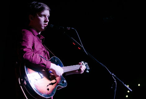 george ezra solo at leaf
