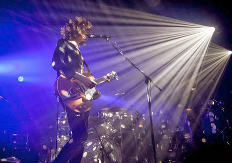 temples live review guitarist