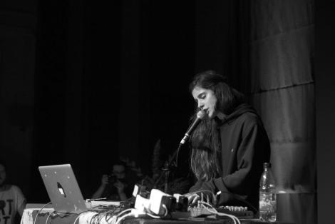 Nadine Carina Live at leaf full length