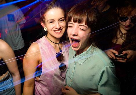 BuggedOutWeekender-live review screaming girls