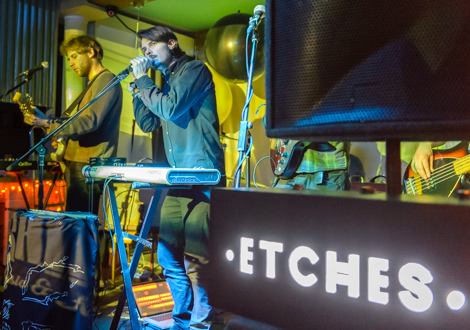 Etches live review threshold
