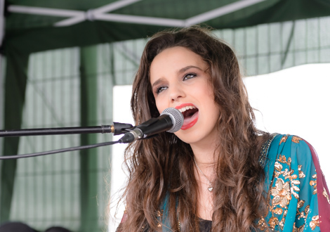 sophia ben-yousef live aintree 2