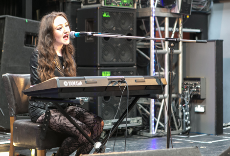Daisy Gill live at Threshold 2014