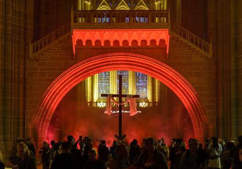 light night red bridge