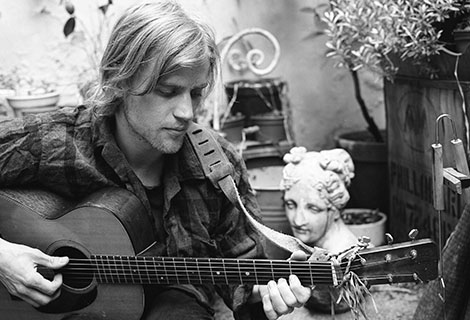johnny flynn acoustic guitar
