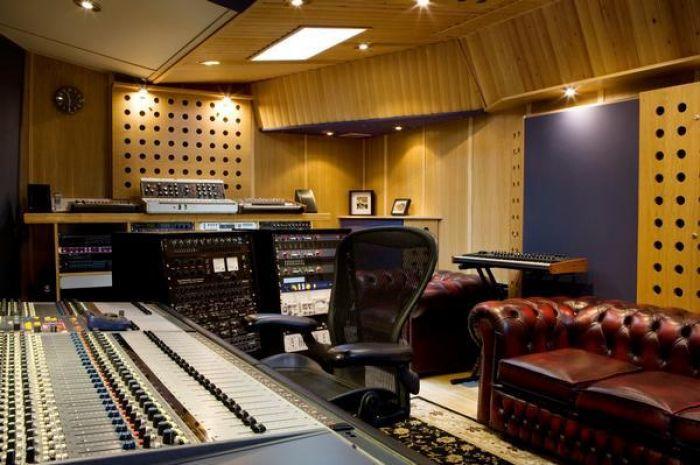 motor museum studio