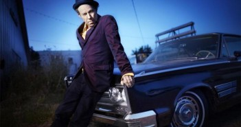 Tom Waits Facebook