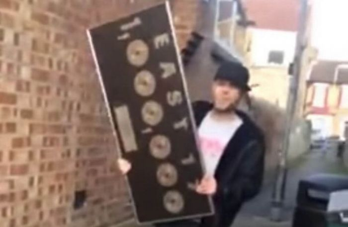 Brian Harvey smashes his platinum discs on YouTube - credit Brian Harvey/YouTube