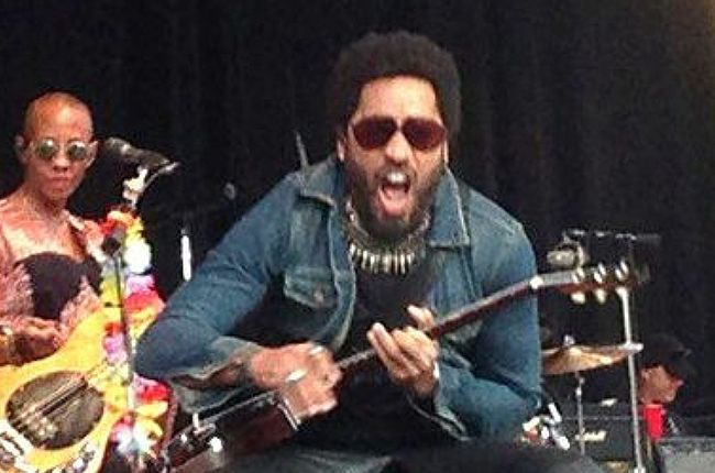 Lenny Kravitz on stage in Sweden. Don't pan down if you're squeamish