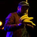 'ave a banana