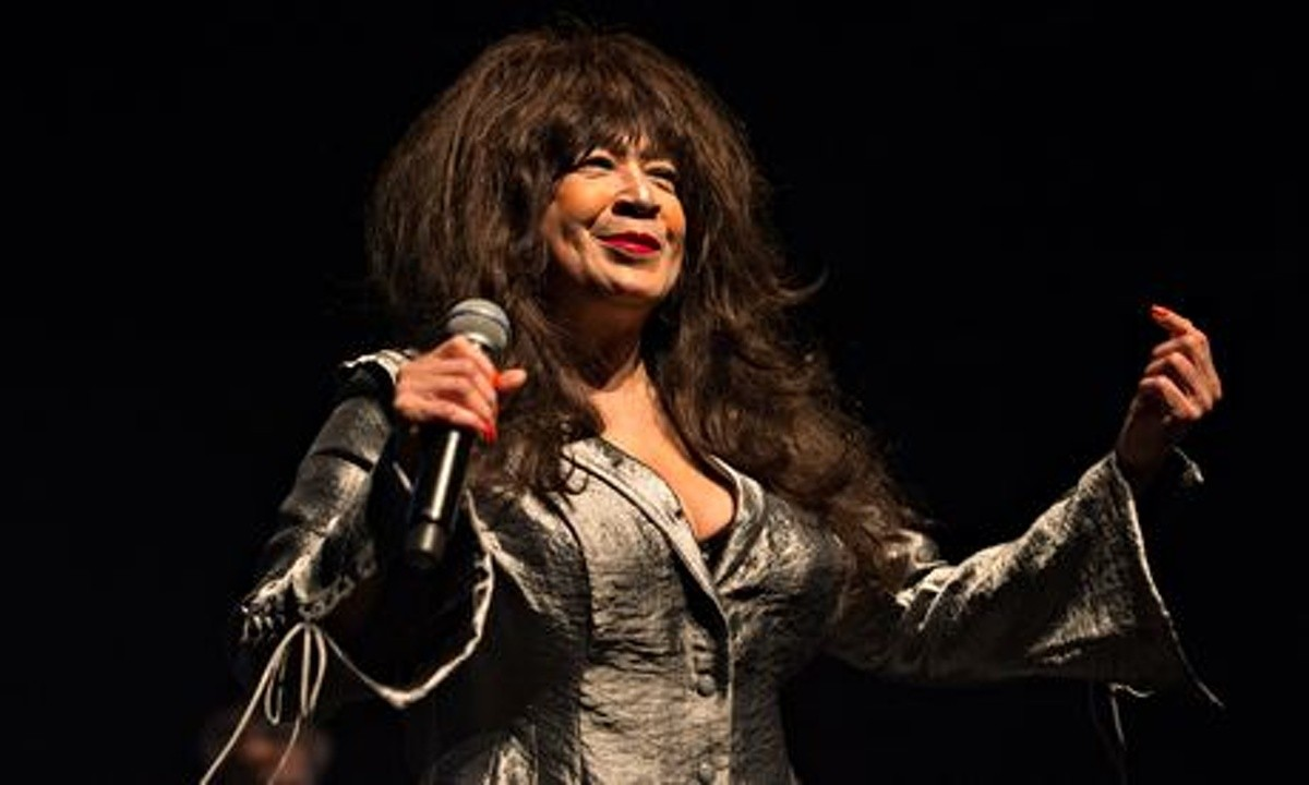 Ronnie Spector Tour Review