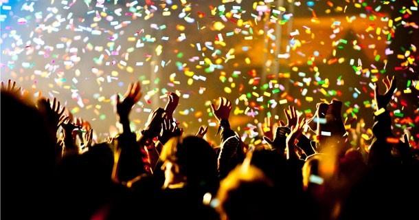 concert-festival-crowd