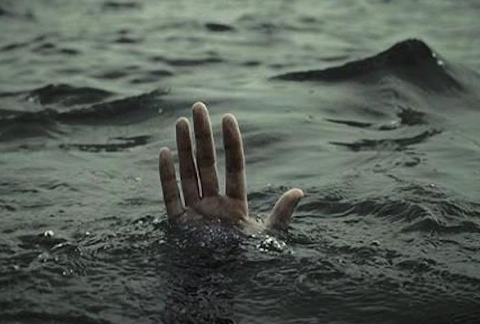 Get In The Sea (via Get In The Sea)